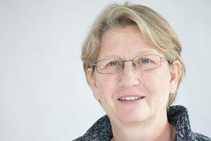 Anette Huesmann, Dozentin der Schreibkurse Bücher schreiben